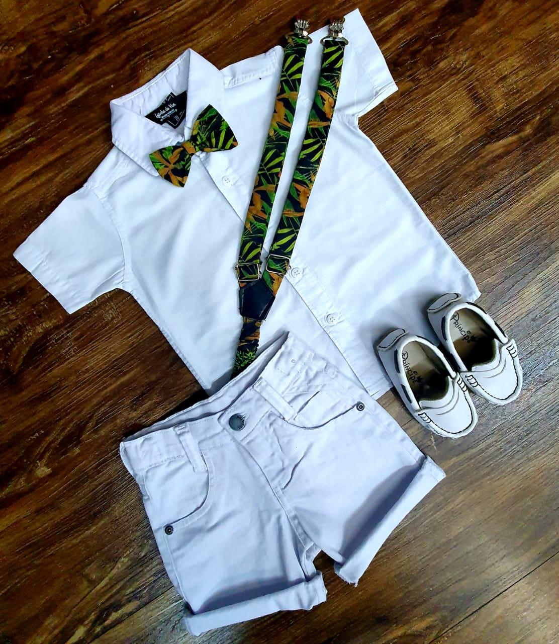 Bermuda Branca e Camisa Branca com Suspensório e Gravata Floral Infantil