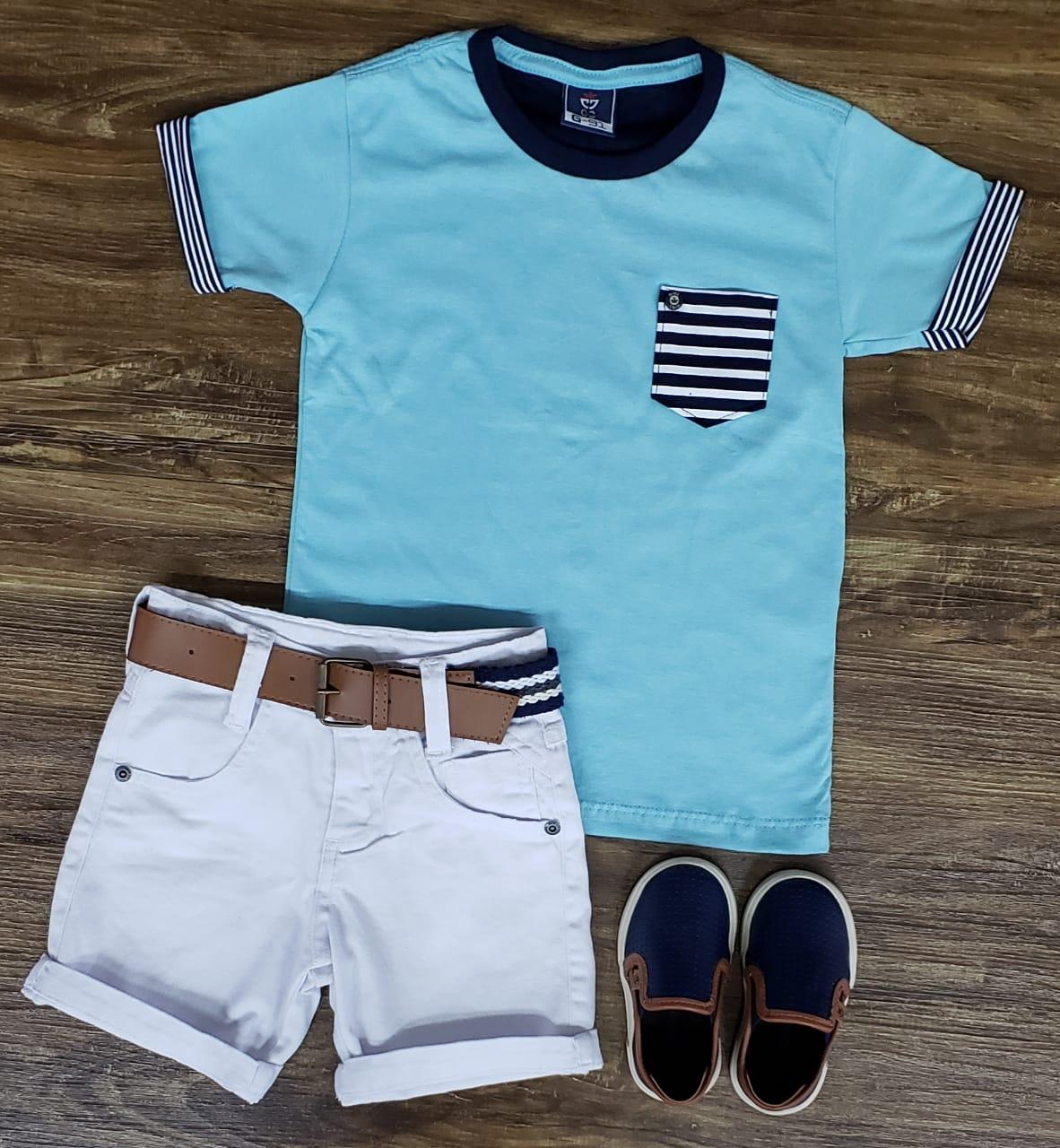 Bermuda Branca e Camiseta com Bolso Azul Clara