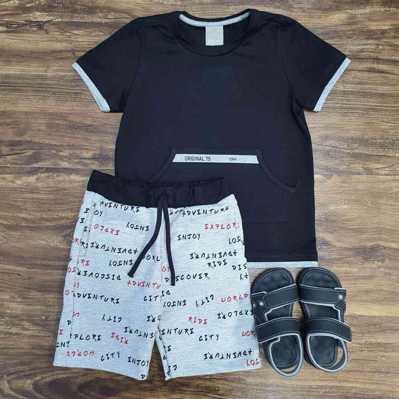 Bermuda Cinza com Camiseta Preta com Bolso Canguru Infantil