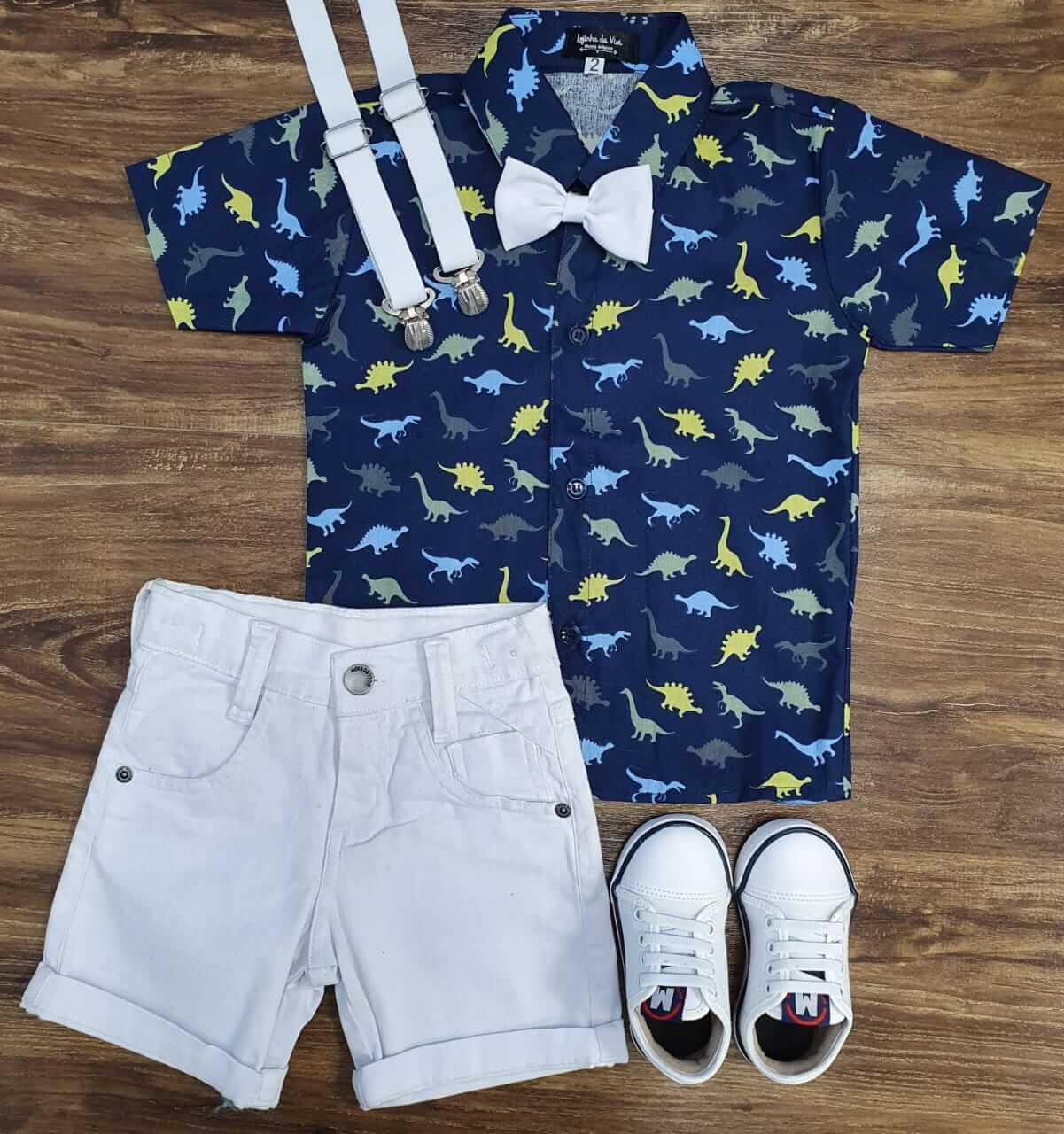 Bermuda com Suspensório e Camisa Dinossauro com Gravata Infantil