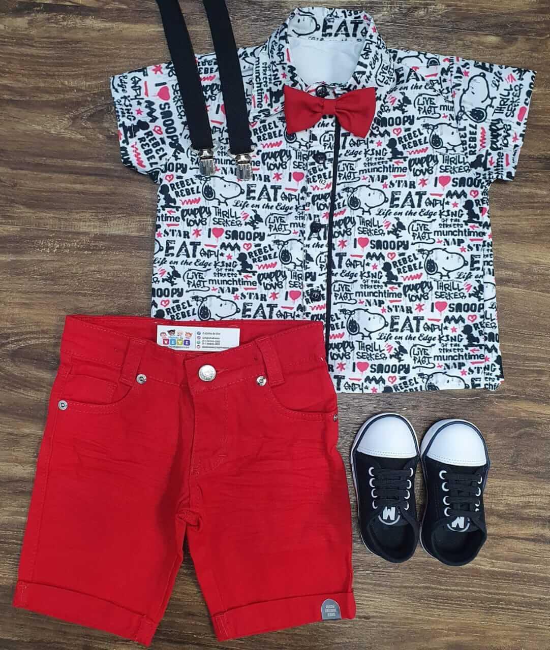 Bermuda com Suspensório e Camisa Snoopy com Gravata Infantil