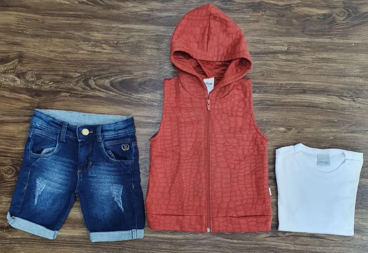 Bermuda Jeans com Camiseta e Colete Infantil