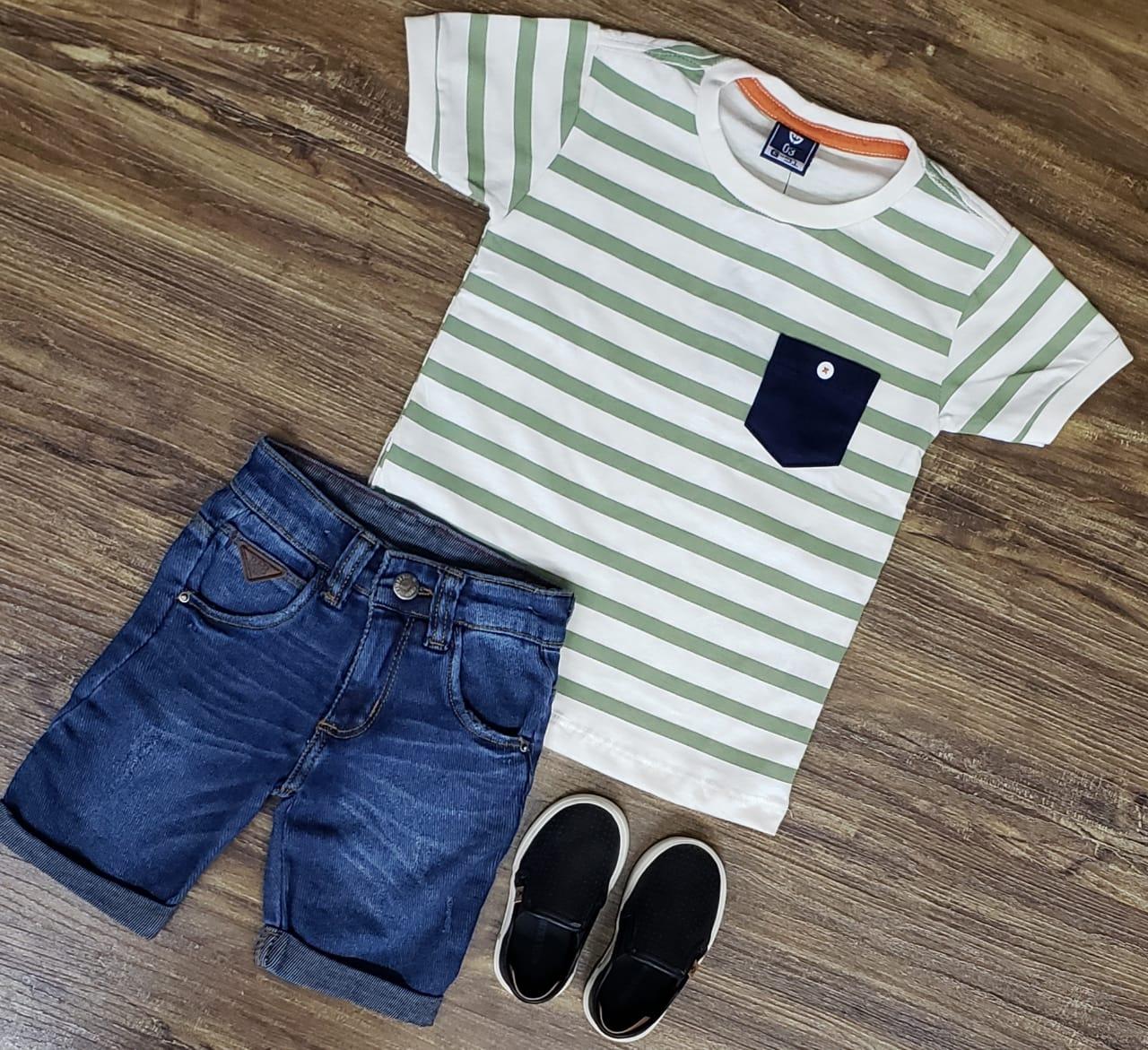 Bermuda Jeans com Camiseta Listrada