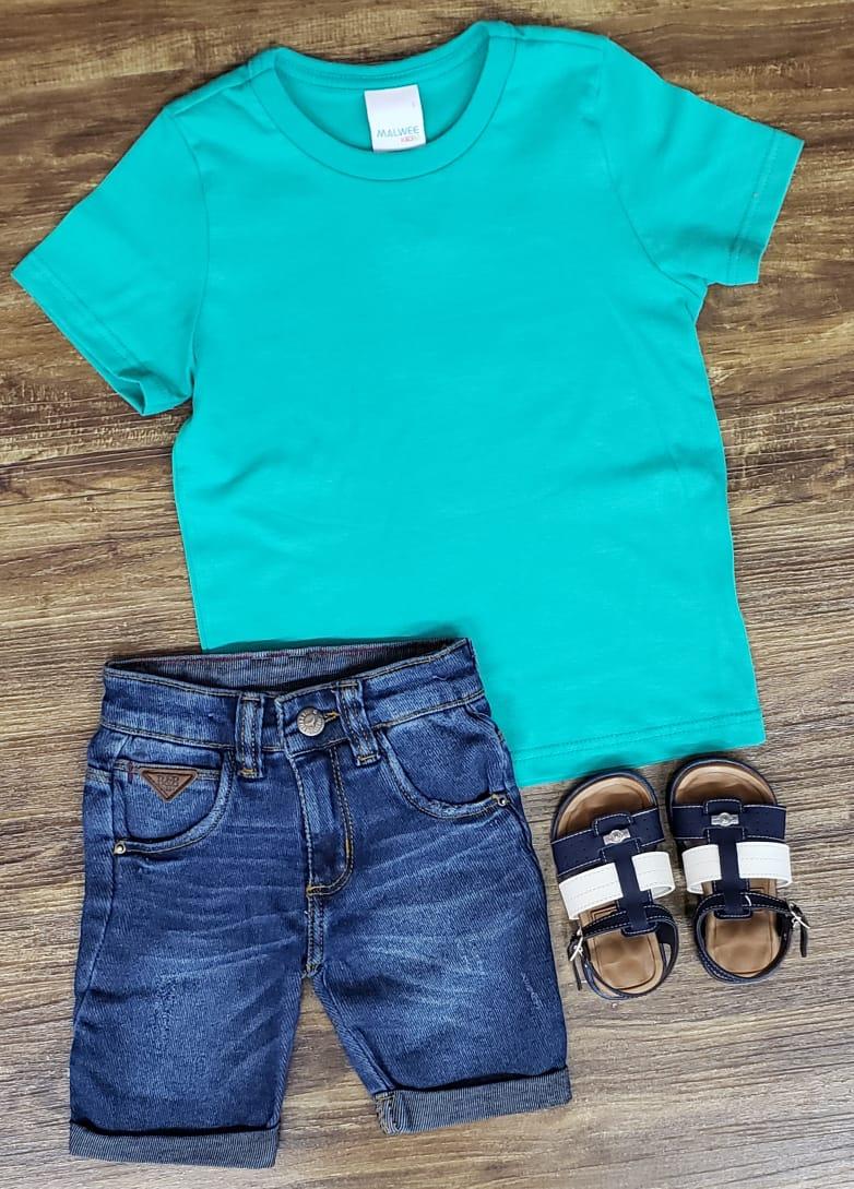 Bermuda Jeans com Camiseta Verde Água
