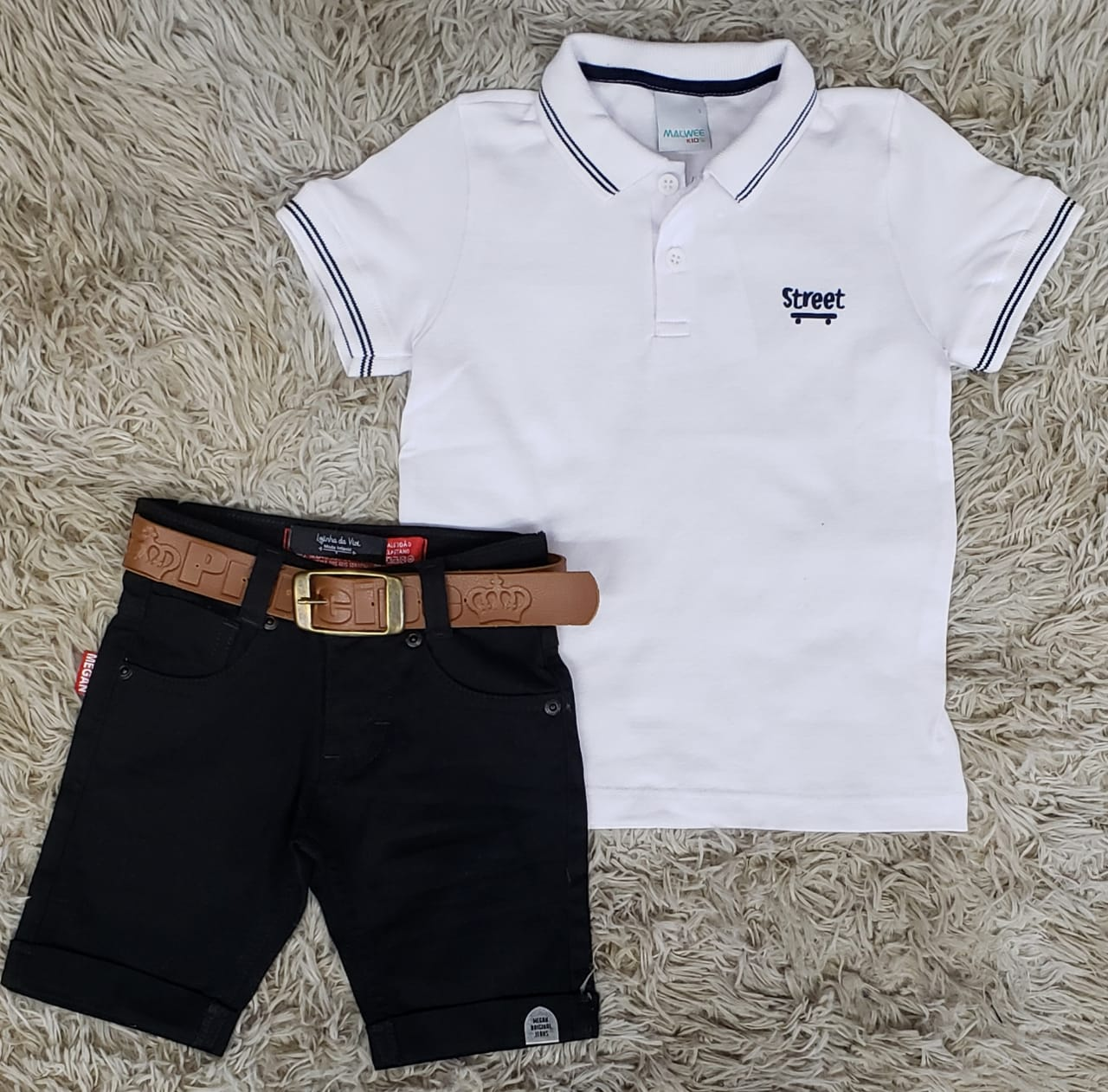 Bermuda Jeans Preta com Polo