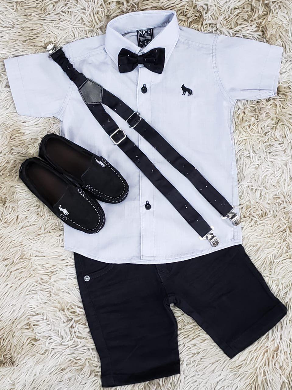 Bermuda Jeans Preta com Suspensório e Camisa Cinza