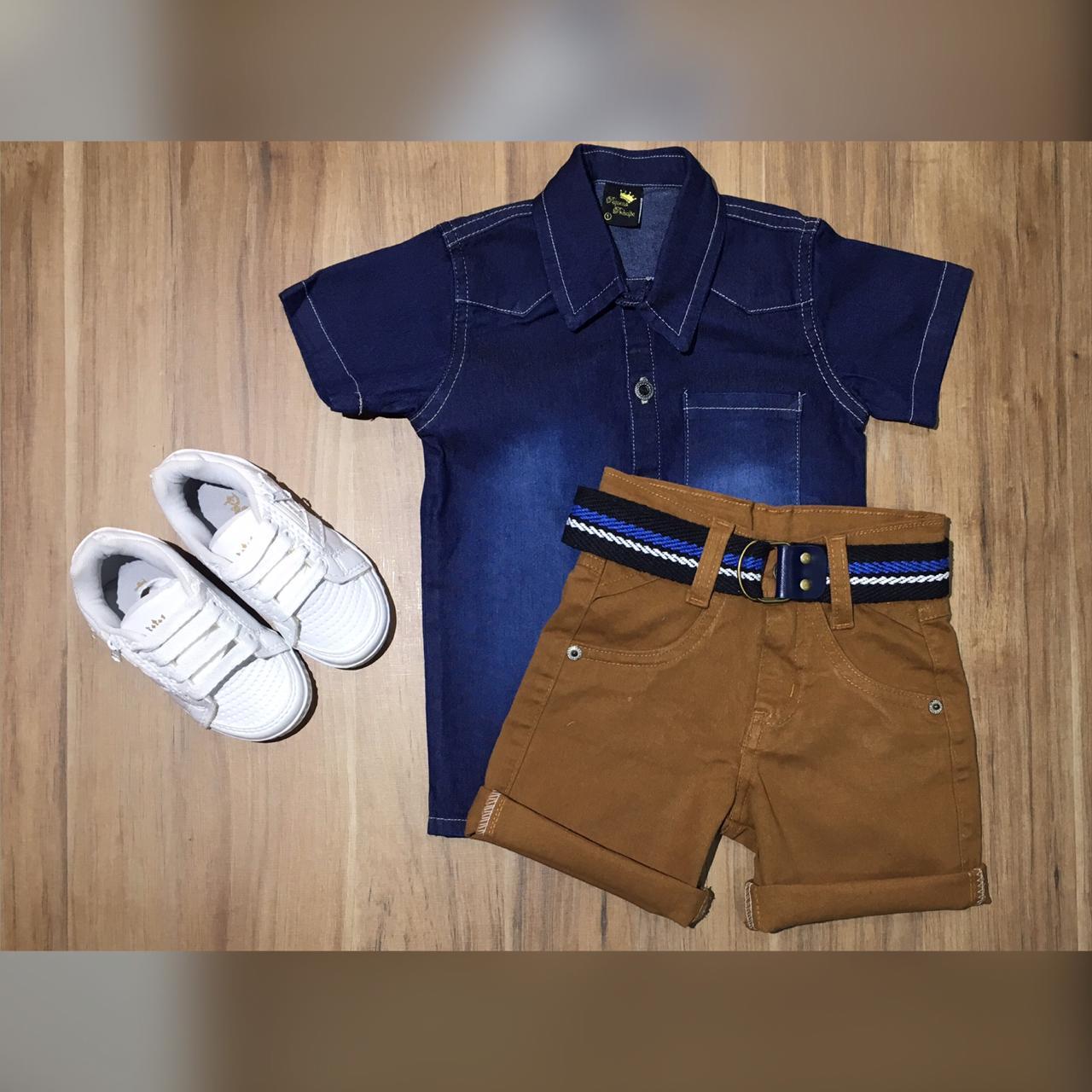 Bermuda Marrom com Camisa Jeans