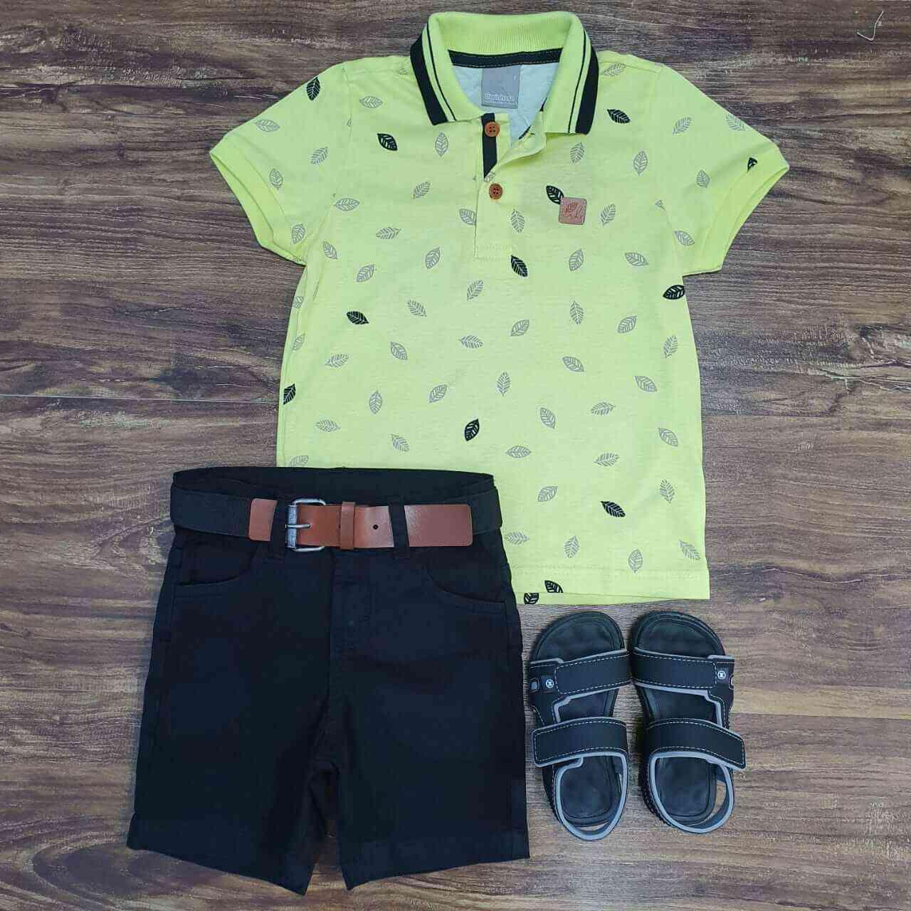 Bermuda Preta com Camisa Polo Amarela Infantil