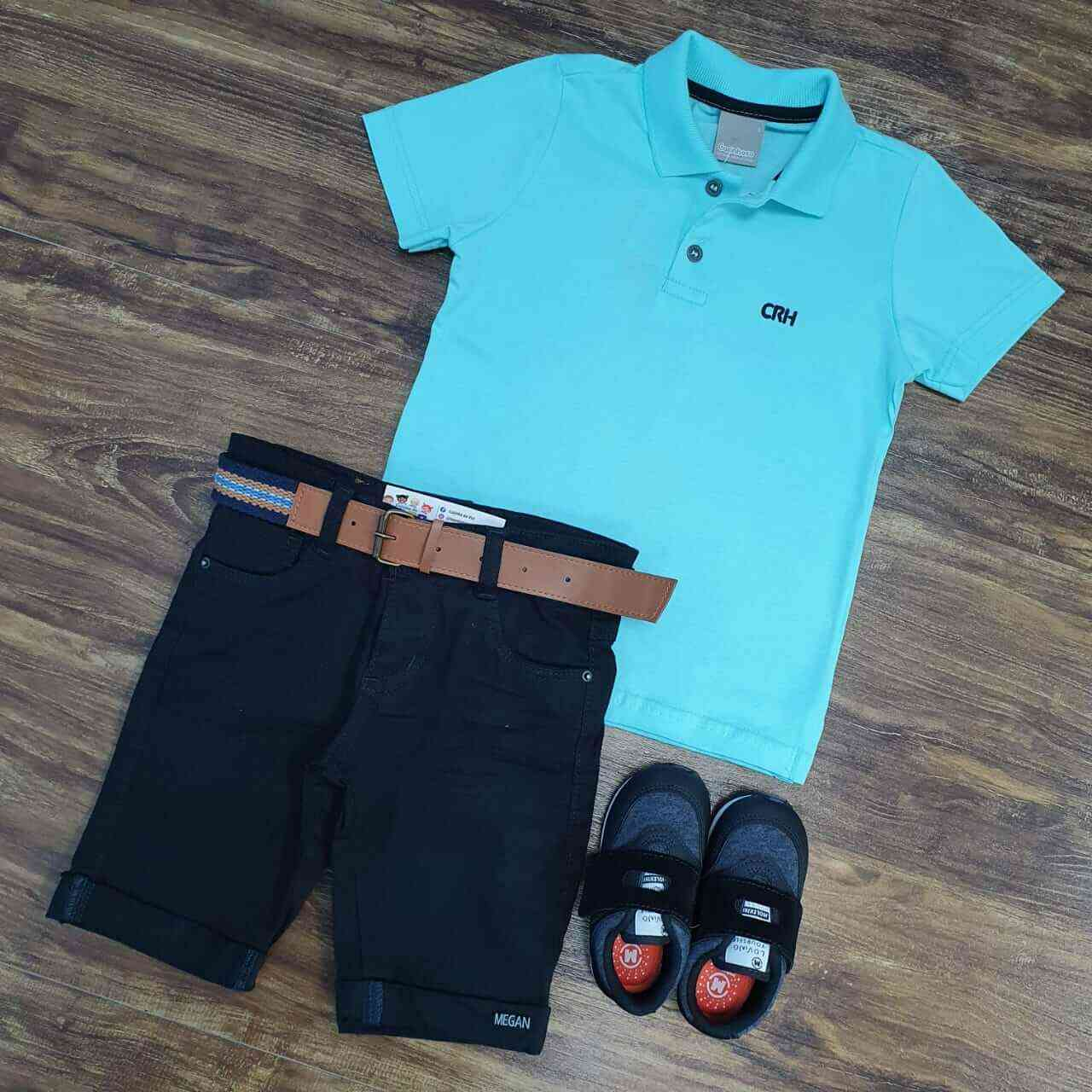 Bermuda Preta com Camisa Polo Azul Infantil
