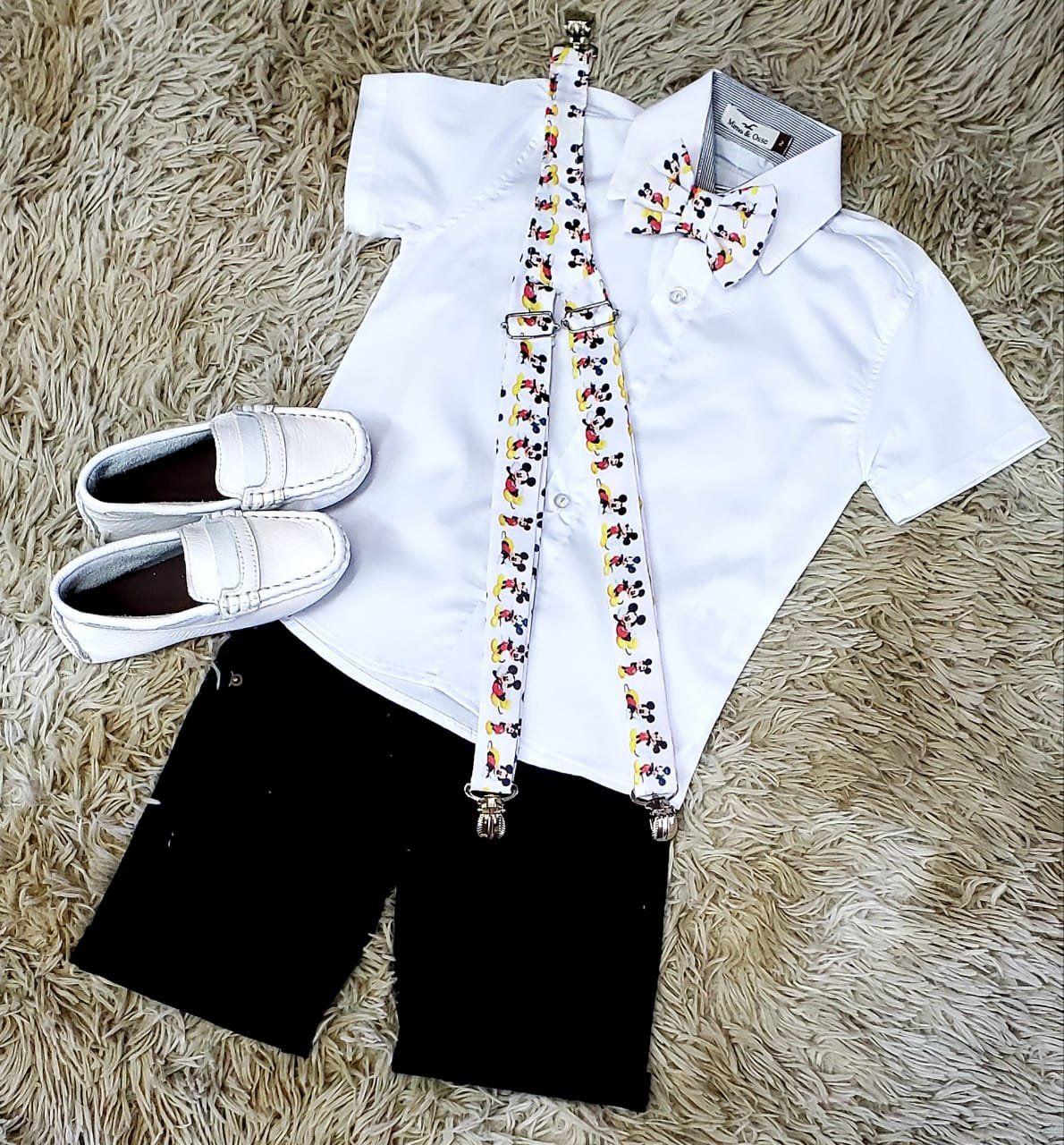Bermuda Preta e Camisa Branca com Suspensório e Gravata Mickey