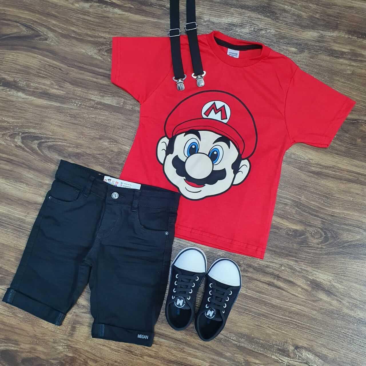 Bermuda Preta com Suspensório  e Camiseta Mario Bros