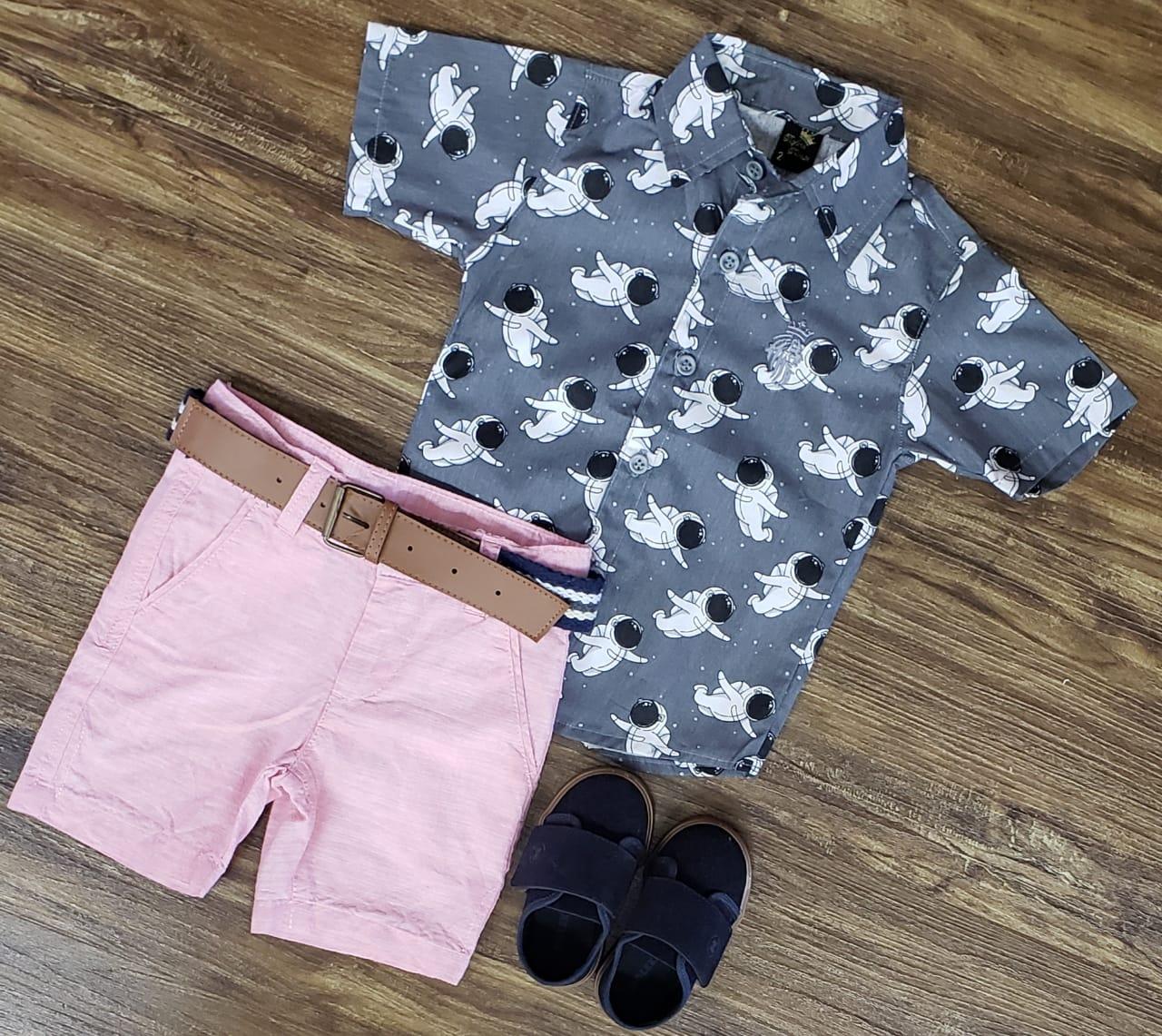 Bermuda Rosa com Camisa Astronautas