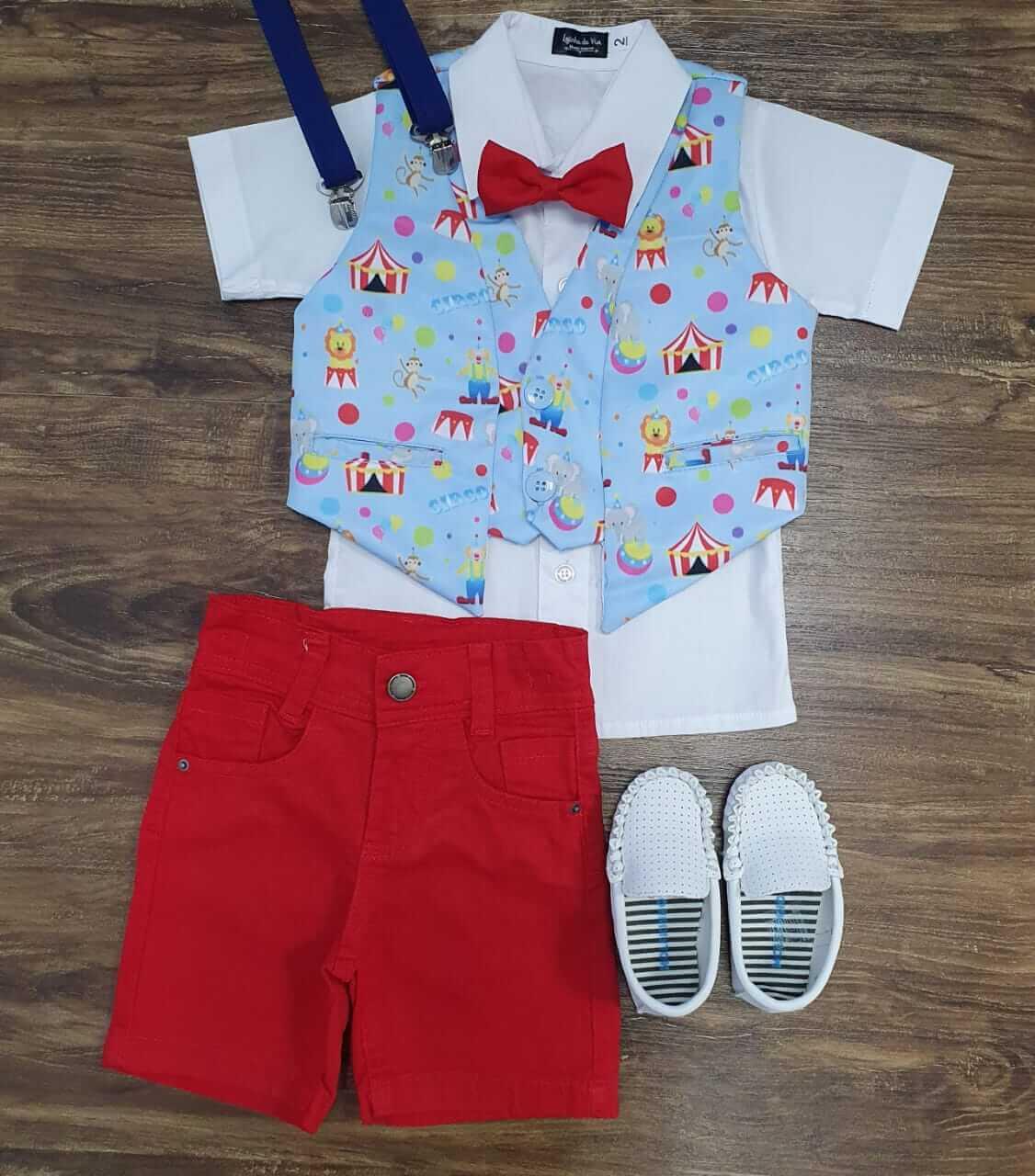 Bermuda Vermelha com Camisa Branca e Colete Circo Infantil