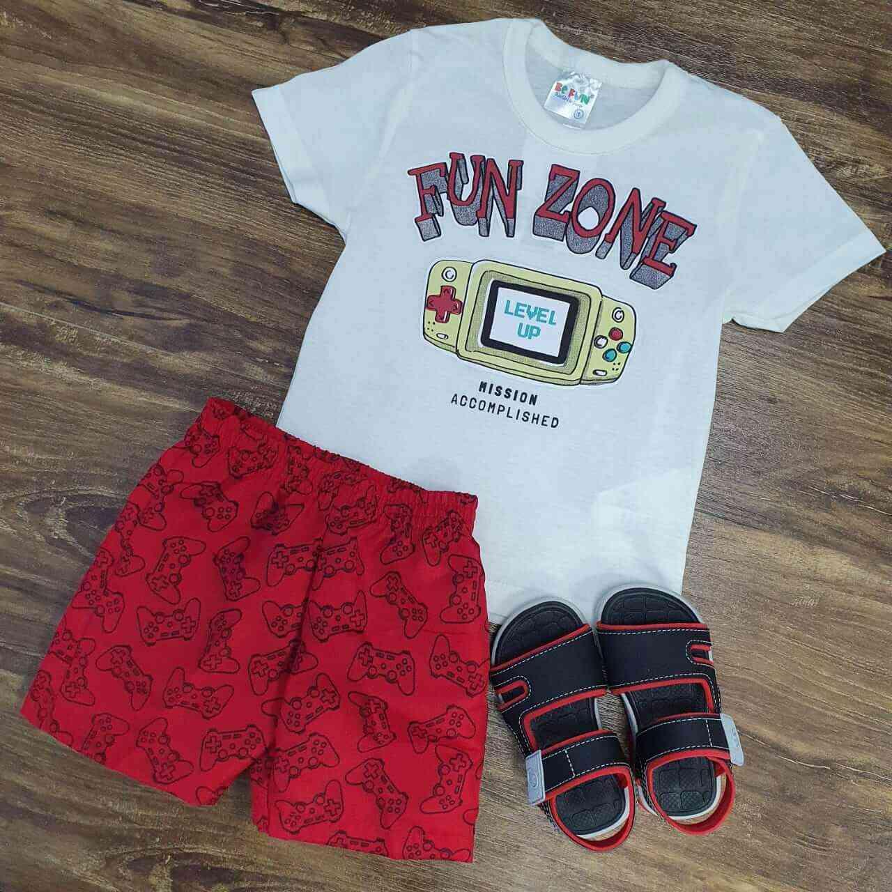Bermuda Vermelha com Camiseta Branca Infantil