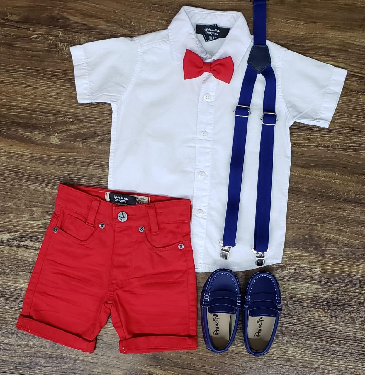 Bermuda Vermelha com Suspensório e Camisa com Gravata