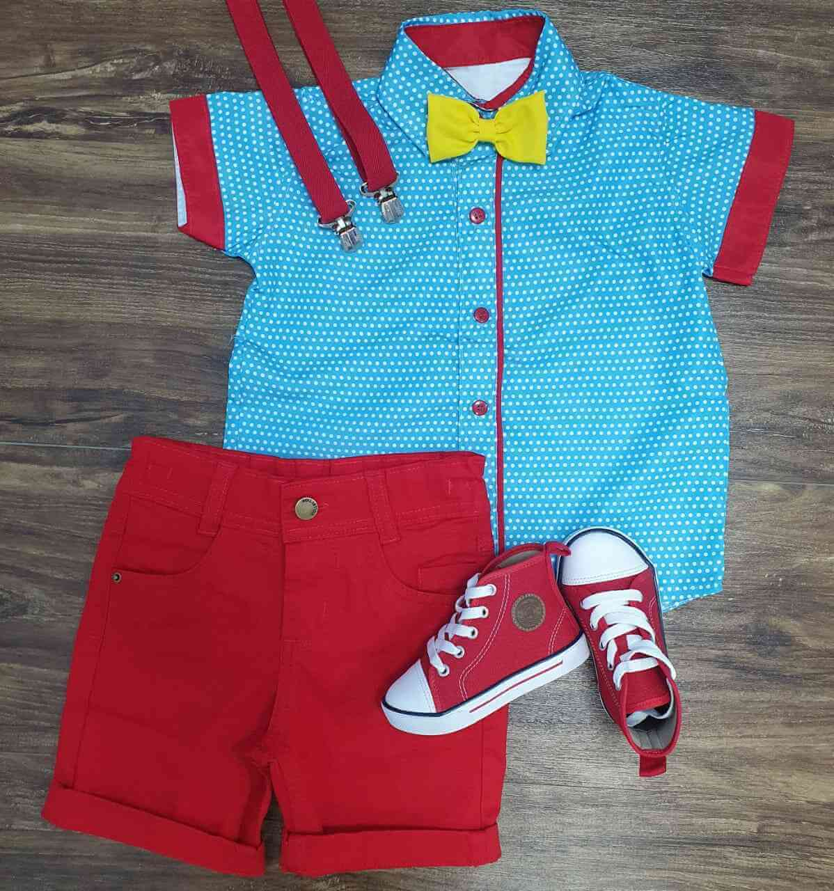 Bermuda Vermelha com Suspensório e Camisa Galinha Pintadinha com Gravata