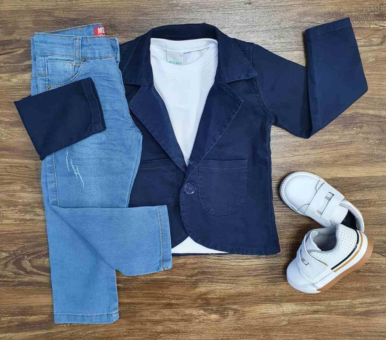 Blazer Azul Marinho com Camiseta e Calça Infantil