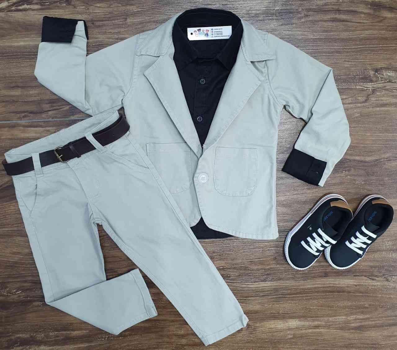 Blazer com Camisa Social Preta e Calça Jeans Infantil