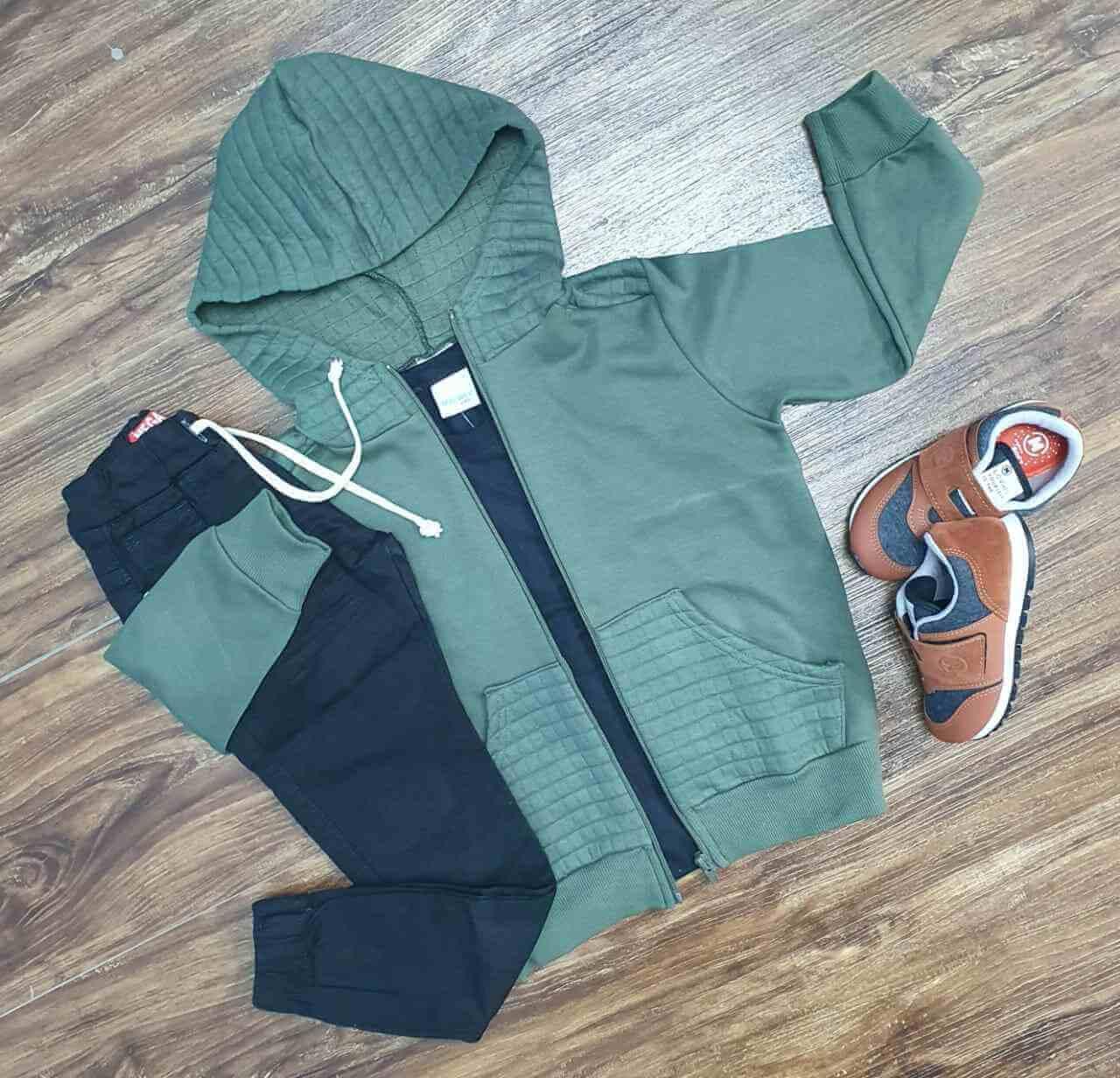 Jaqueta com Capuz mais Camiseta e Calça Jogger Infantil