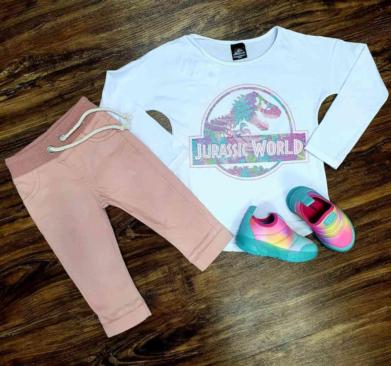 Blusa Jurassic World com Calça Jogger Infantil