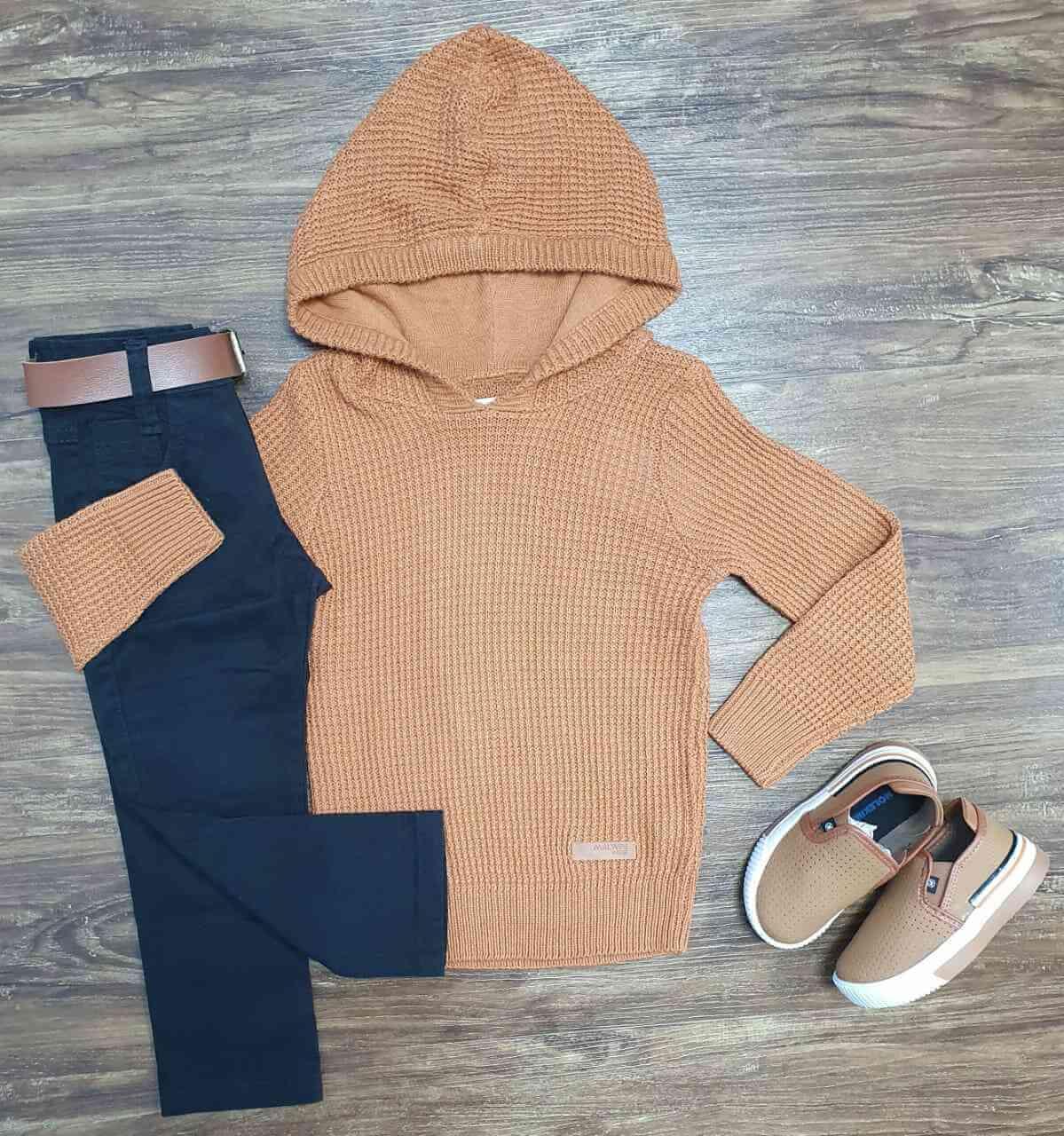 Blusa/Tricot Marrom com Capuz e Calça Jeans Preta Infantil