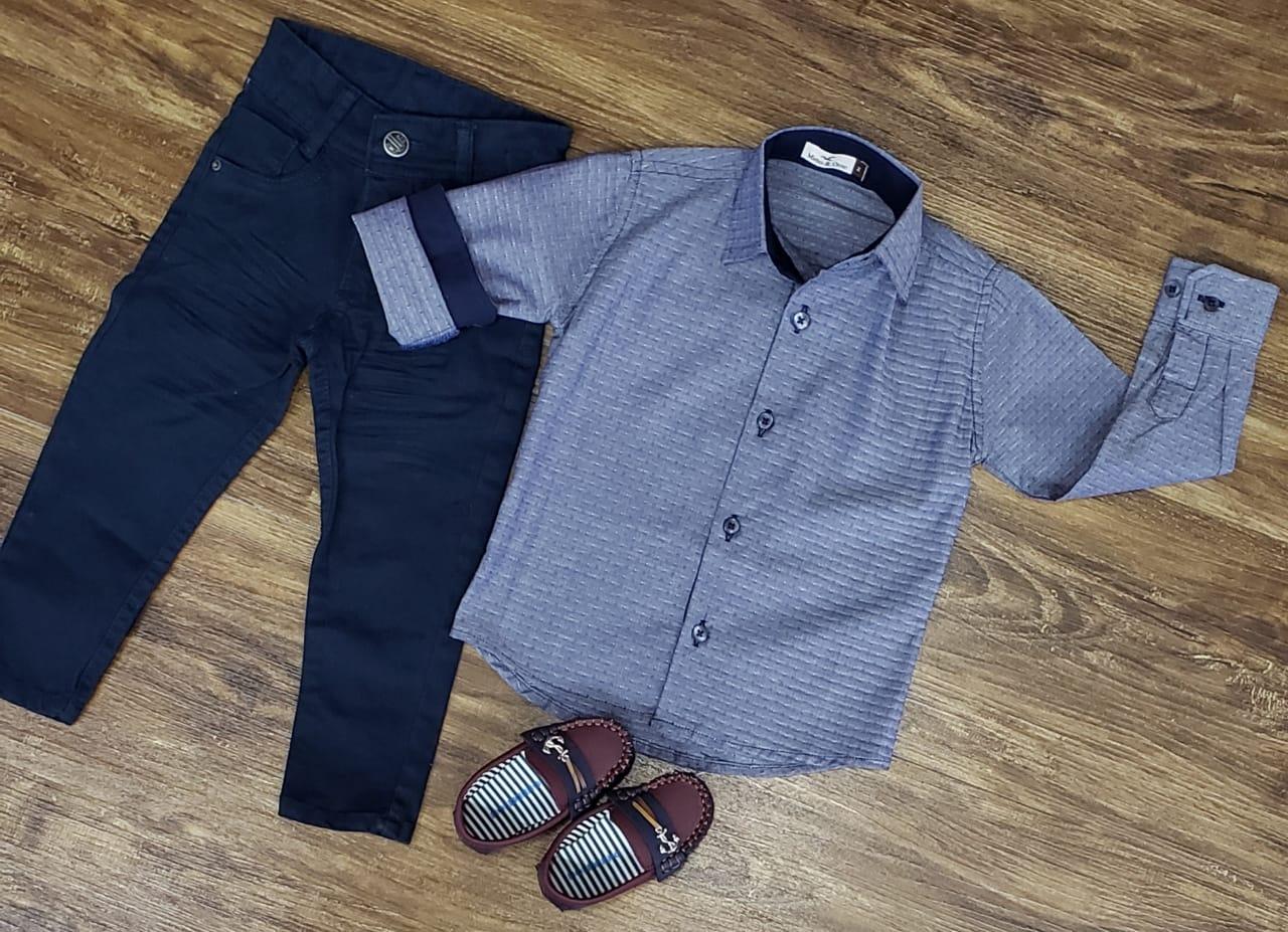 Calça Jeans Azul Marinho com Camisa Social Infantil