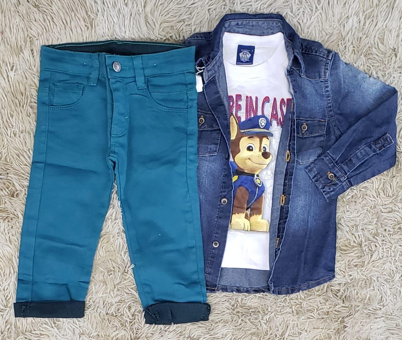 Calça Azul Petróleo com Camiseta Patrulha Canina e Camisa Jeans