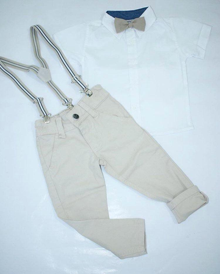 Calça Bege com Suspensório e Camisa Branca com Gravata