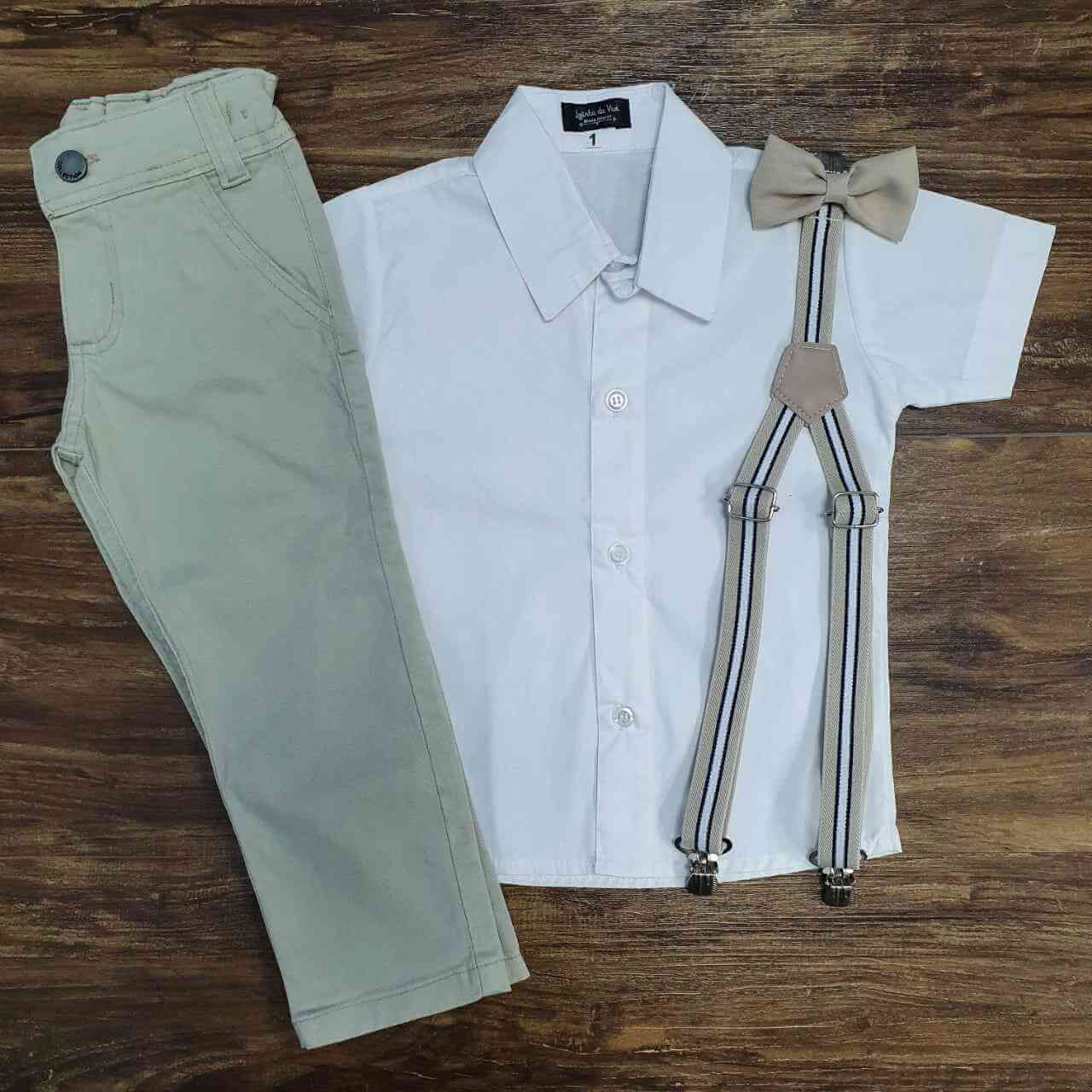 Calça Bege com Suspensório e Camisa Branca com Gravata - Roupa Batizado