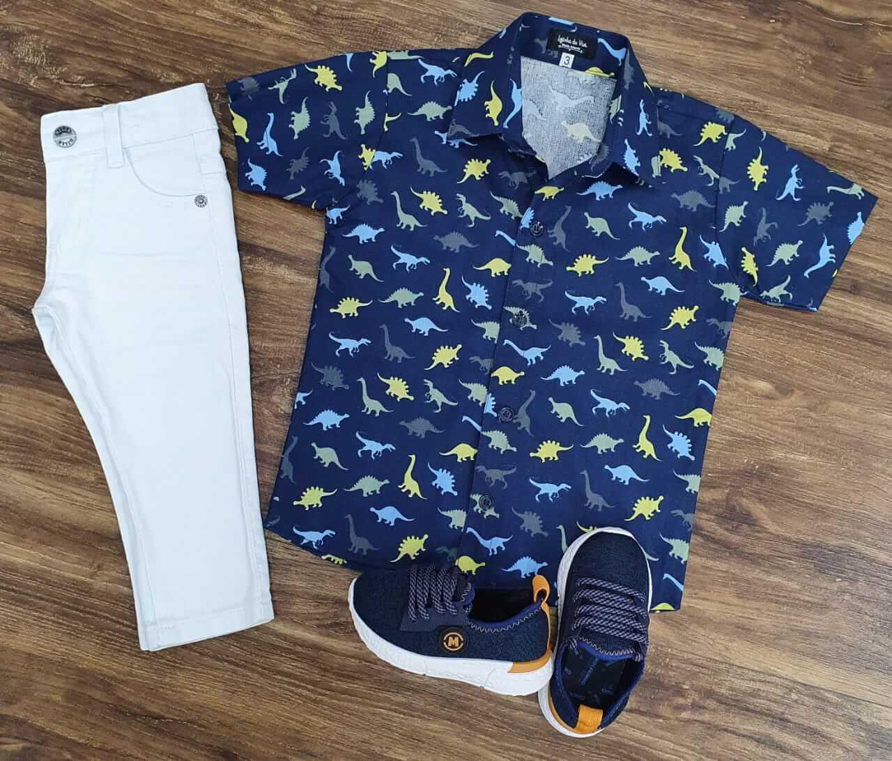 Calça Jeans Branca com Camisa Dinossauro Infantil