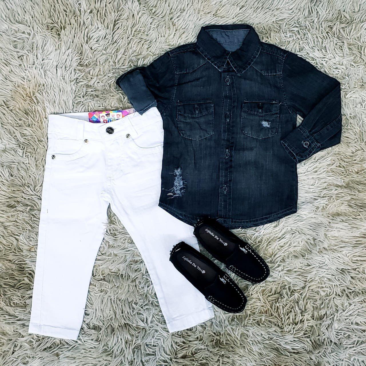 Calça Branca com Camisa Jeans