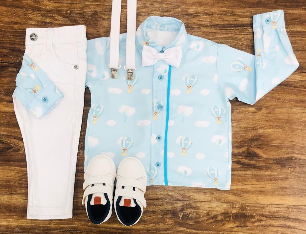 Calça branca com Camisa Manga Longa Urso Baloeiro Gravata e Suspensório