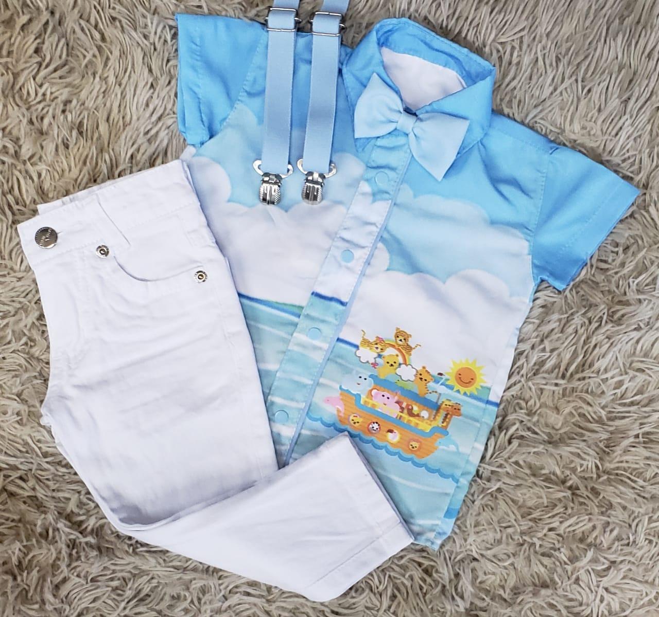 Calça Branca com Suspensório e Camisa Arca de Noé com Gravata