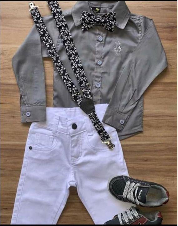 Calça Branca com Suspensório e Camisa com Gravata