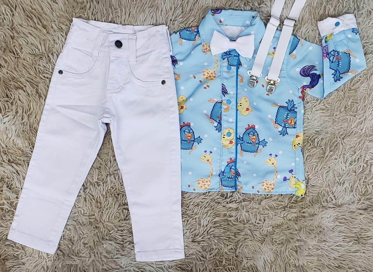 Calça Branca com Suspensório e Camisa Galinha Pintadinha com Gravata