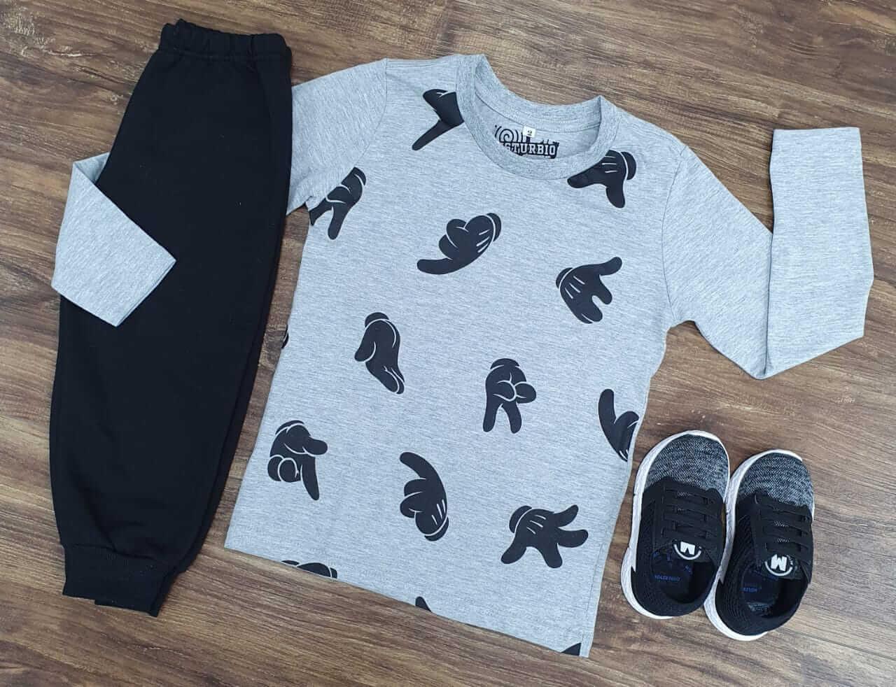 Calça de Moletom com Camiseta Manga Longa Cinza