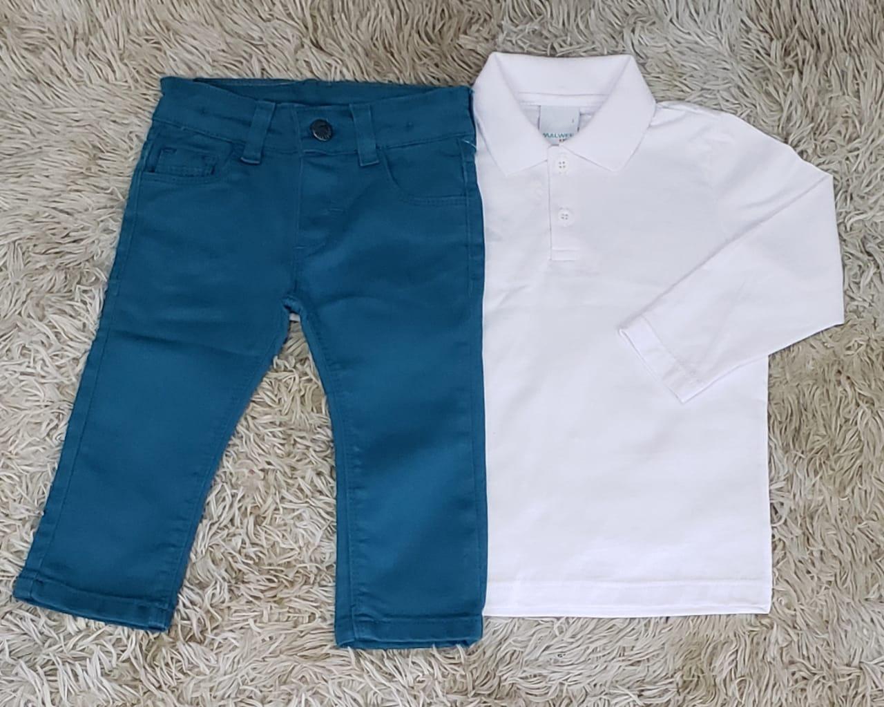 Calça Jeans Azul Petróleo com Polo Manga Longa Branca