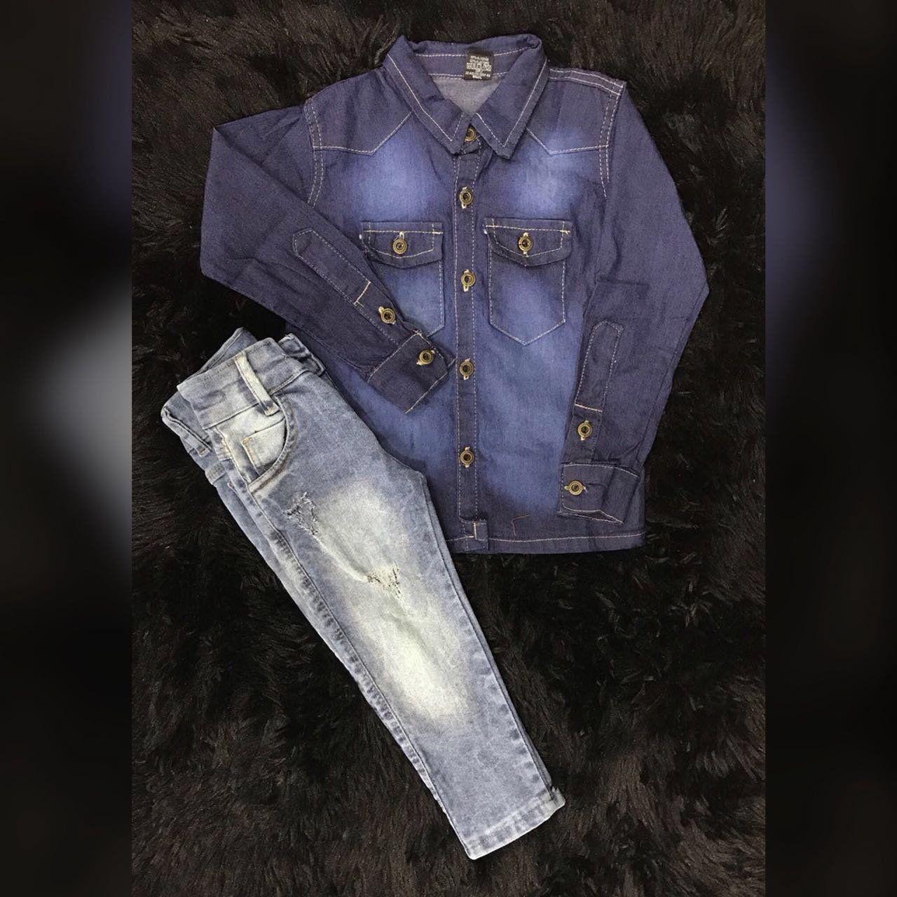 Calça Jeans Clara com Camisa Jeans
