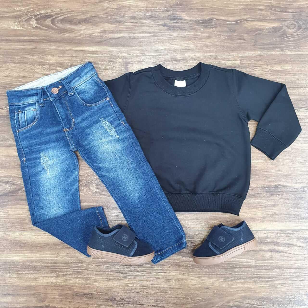 Calça jeans com Blusa de Moletom Preta
