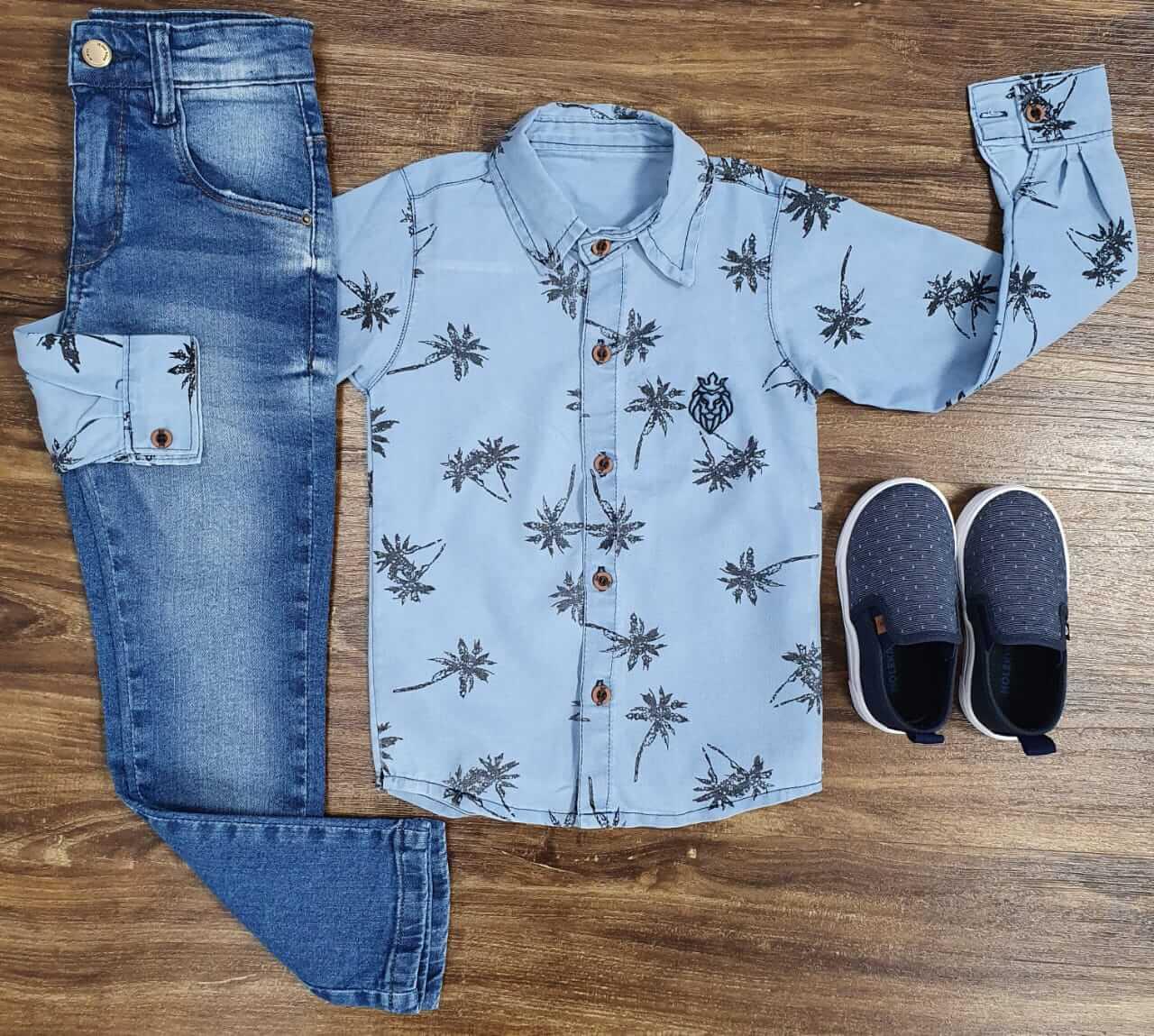 Calça Jeans com Camisa Coqueiro