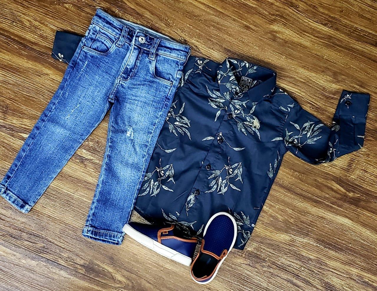 Calça Jeans com Camisa Floral Manga Longa Infantil