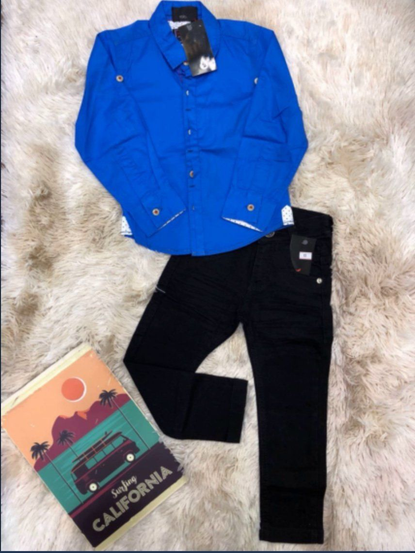 Calça Jeans com Camisa Manga Longa Azul