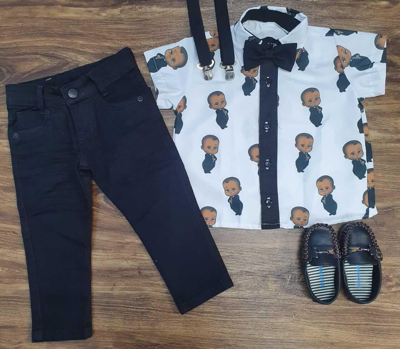 Calça Jeans com Camisa Poderoso Chefinho Infantil