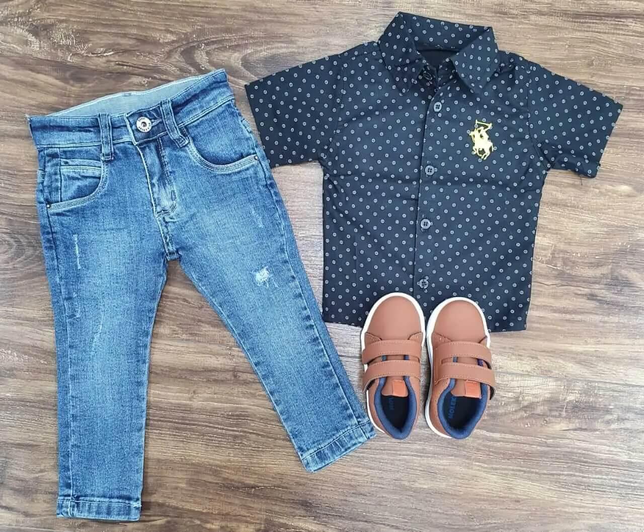 Calça Jeans com Camisa Preta Infantil