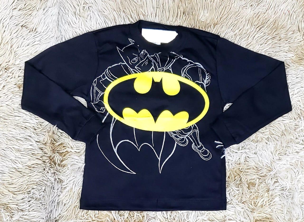 Calça Jeans com Camiseta Batman e Camisa Xadrez