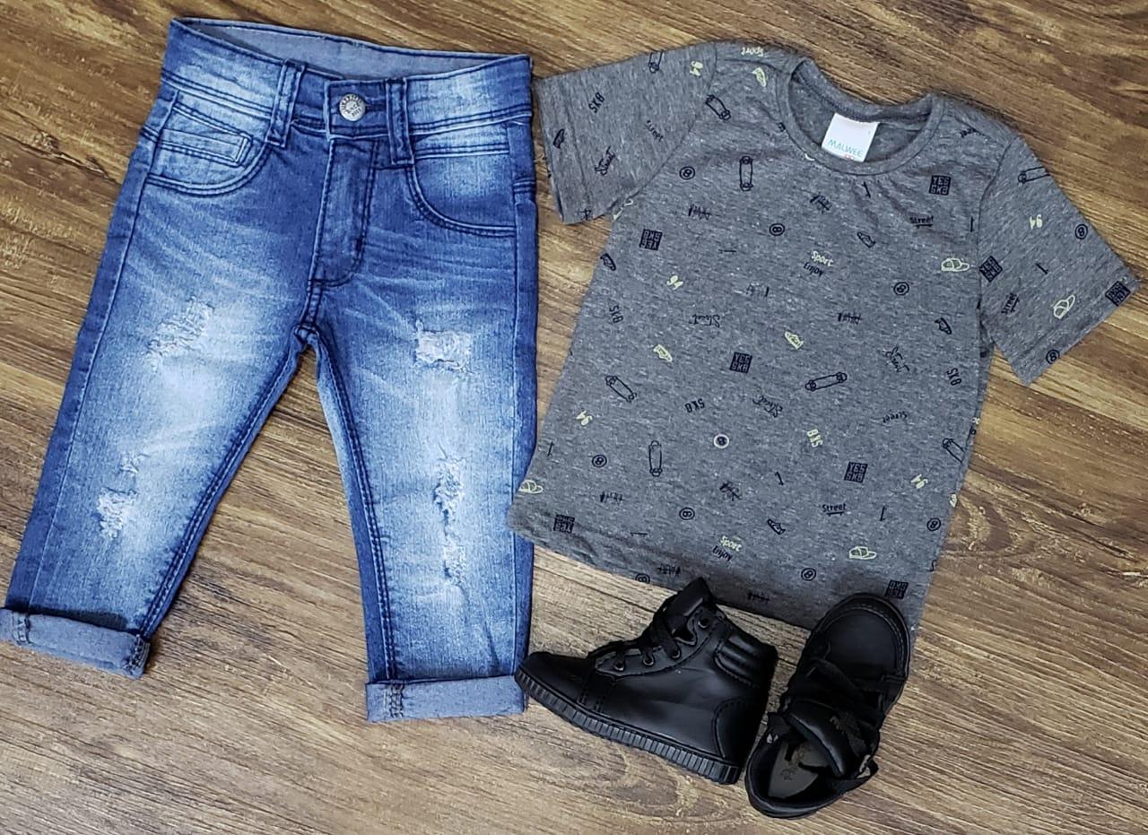 Calça Jeans com Camiseta Cinza