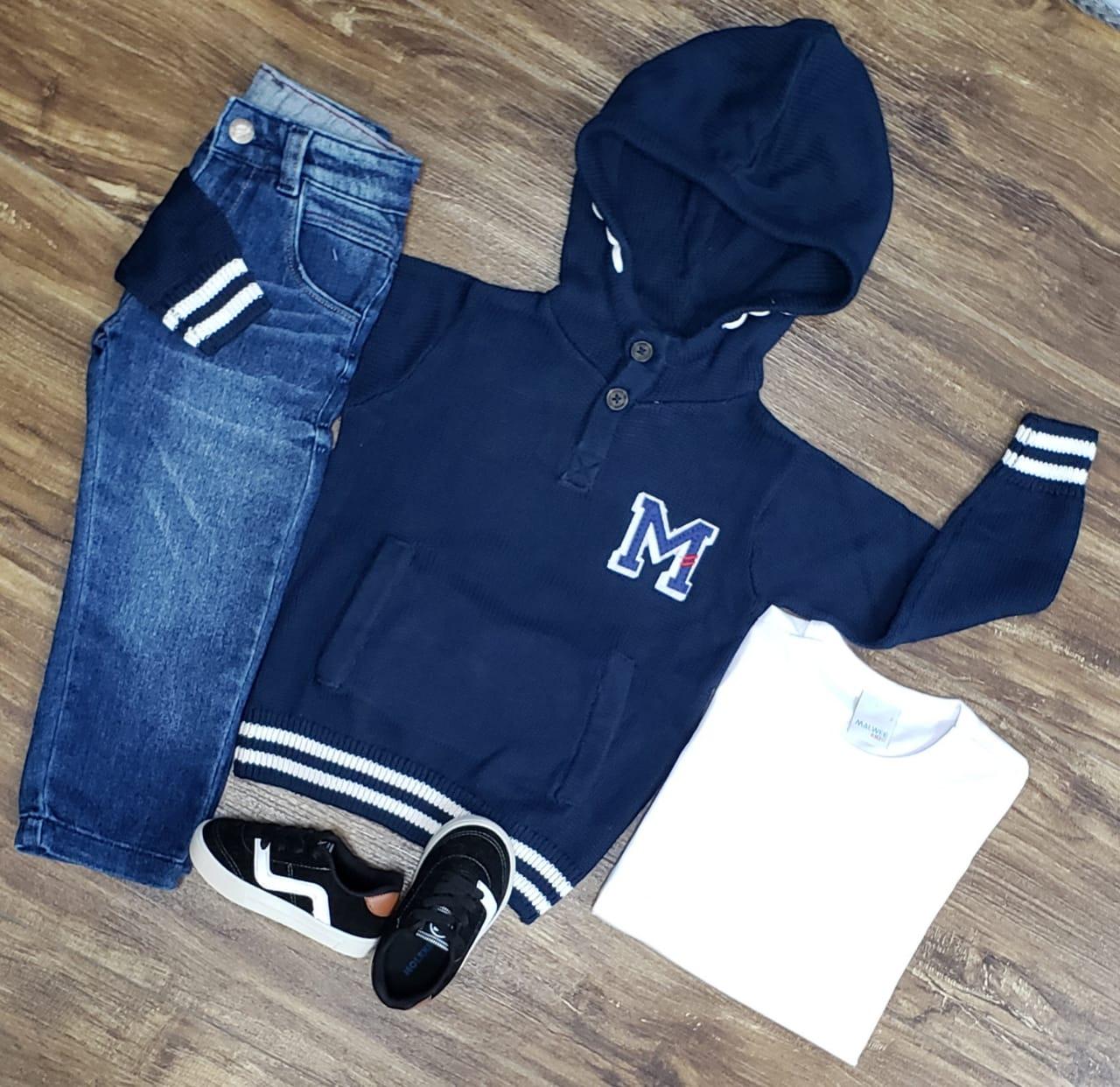 Calça Jeans com Camiseta e Blusa Azul Marinho
