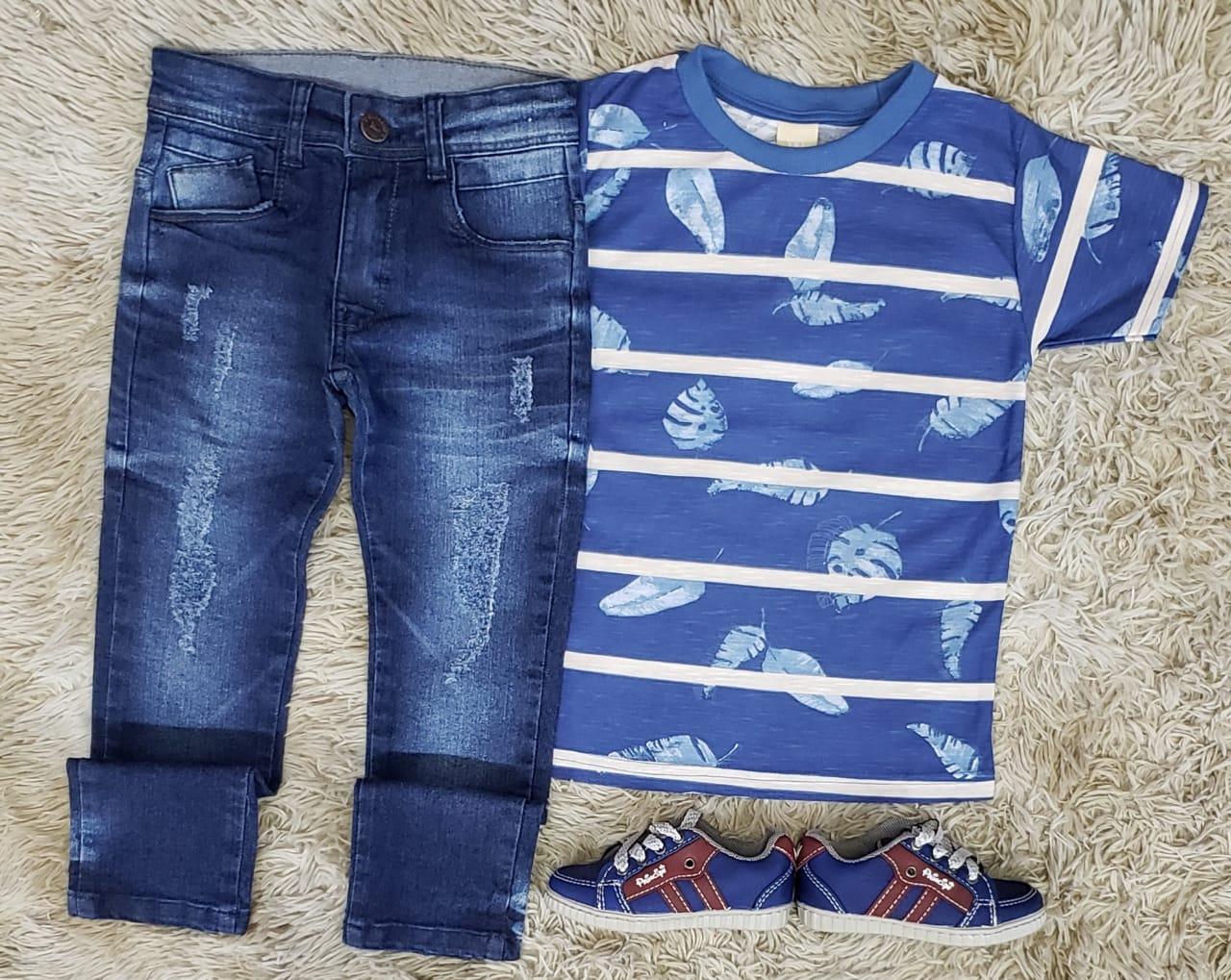 Calça Jeans com Camiseta Floral