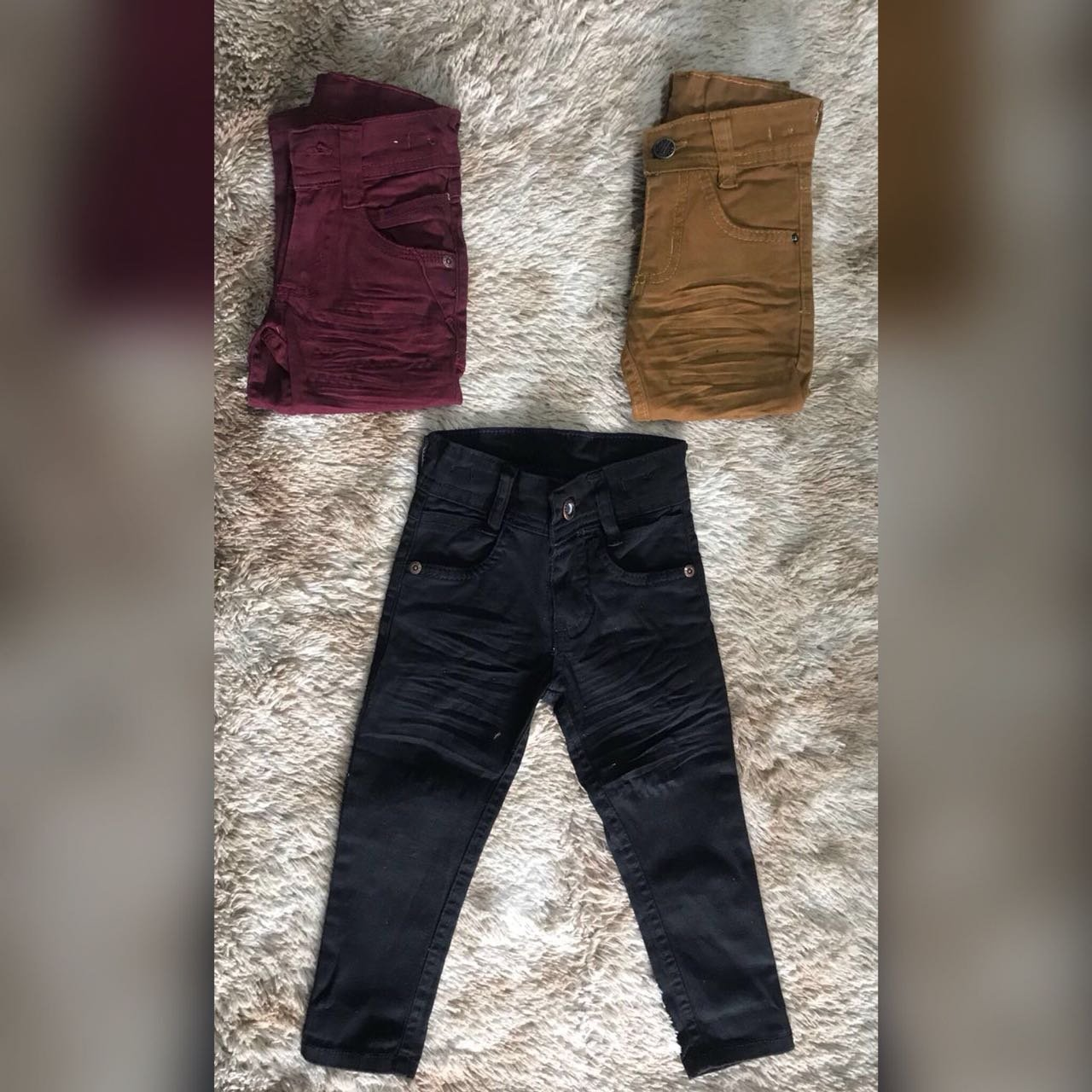Calça Jeans com Elastano e Regulagem Interna