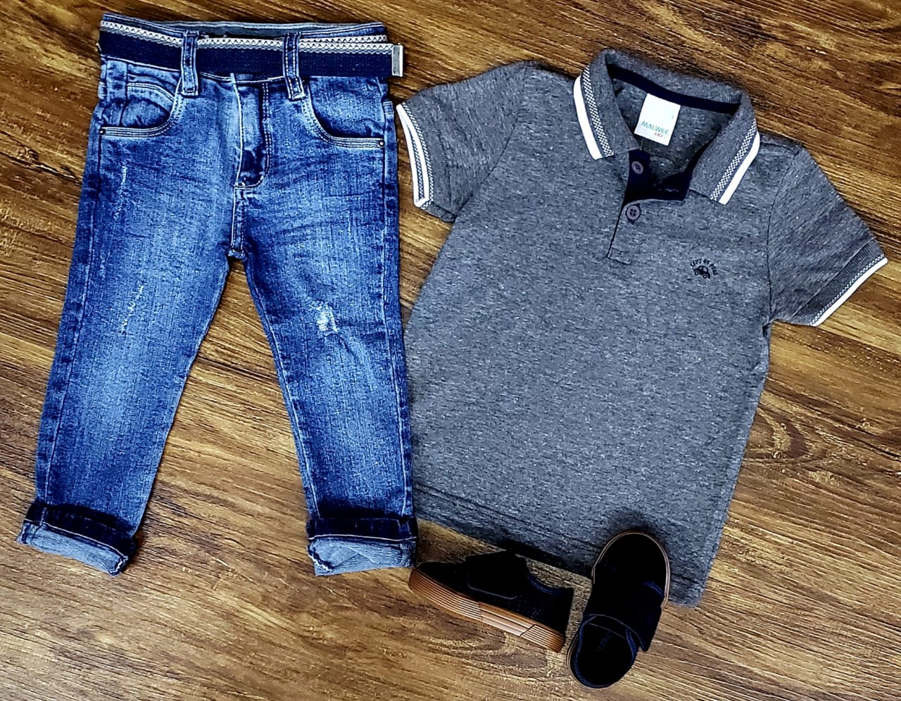 Calça Jeans com Polo